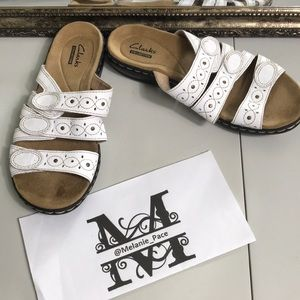 Clarks collection white slide size 6W